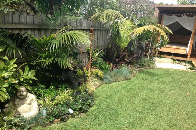 Landscaping work landscape gardener designs plans and for Tropical garden design
