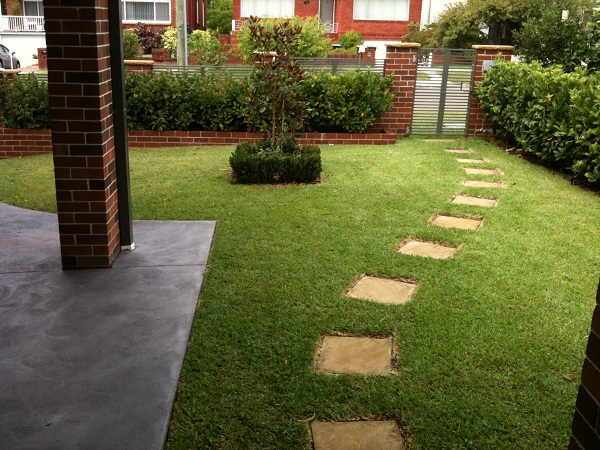 Before and after garden photos landscaping before and after for Modern front garden ideas australia