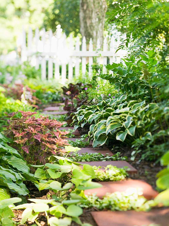 Garden design for a shade garden shady garden ideas plants plans Beautiful and shady home garden design ideas